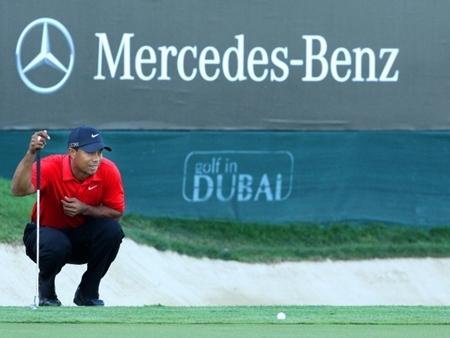 Tiger Woods será multado por escupir en el Omega Dubai Desert Classic