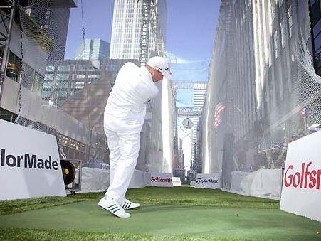 """Sergio García y Martin Kaymer """"cubren de blanco"""" Manhattan en medio de la calle 54"""