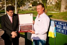 Miguel Ángel Jiménez inaugura una calle con su nombre en La Marquesa Golf