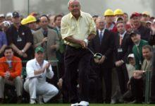 """Arnold Palmer, """"sorprendido"""" por el cambio en el juego de Tiger Woods"""
