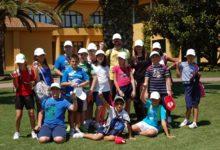 Escolares de Las Marismillas visitan el Real Club de Golf de Sevilla
