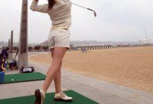 La campaña 'Golf en la Calle' aterriza en el Paseo Marítimo de Gijón