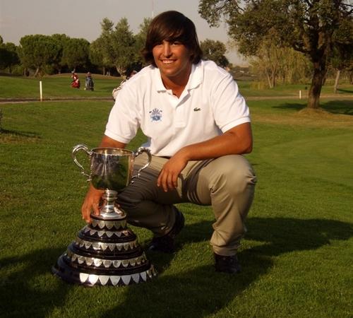 Mario Galiano consigue la victoria en la Copa Puerta de Hierro