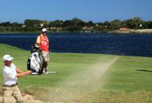 John Senden nuevo líder en Australia y Tiger Woods firma 75