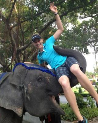 Ryann O'Toole y su nuevo 'amigo' en Tailandia