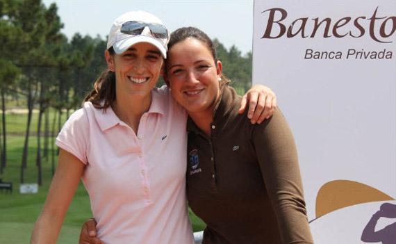 María Beautell, a la izda., con Laura Cabanillas en una foto de archivo. Foto: J.Rogo