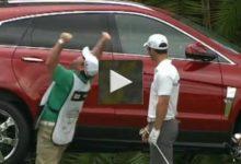 VÍDEO: Que poco le duró la alegría al caddie de Casey por su hoyo en uno