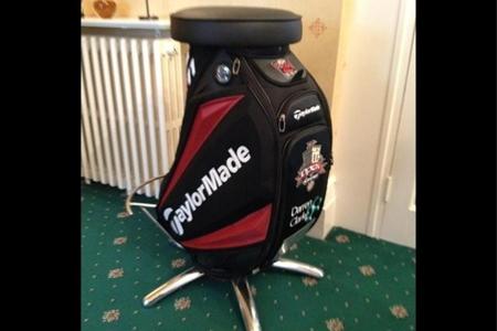 No tire su vieja bolsa de golf, recíclela como el caddie de Lee Westwood