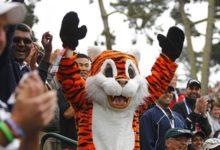 Tiger a un golpe del líder jugando a 'puerta cerrada'
