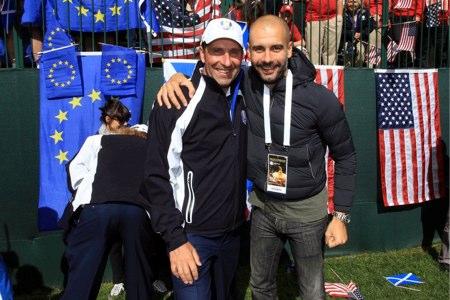 Pep Guardiola, junto al equipo europeo en Medinah