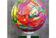 1ª de las 5 bolas gigantes benéficas de la Ryder