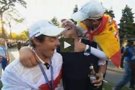McIlroy celebrando el triunfo con cámara personalizada en Medinah (VÍDEO)