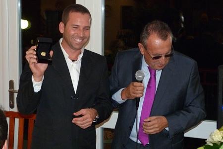 Sergio García recibe el homenaje de su Club