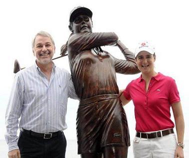 Lorena Ochoa ya tiene estatua, en Puerto Vallarta