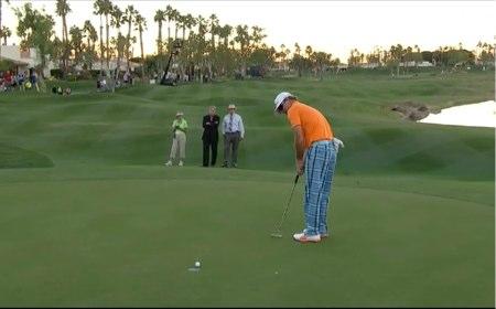 Brian Gay, en su 'putt' ganador en el desempate en La Quinta
