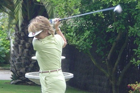 Esperanza Aguirre se inscribe en el Lady Golf Solidario