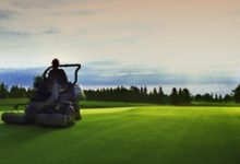 Los greenkeepers tumban el mito del golfista inglés: el 90% opina que maltratan los campos