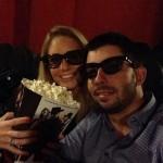 Pablo Larrazábal con su pareja, Gala Ortìn, en el cine