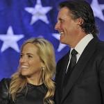 Phil Mickelson y su esposa Amy en un evento