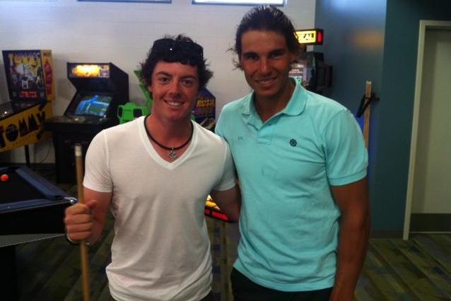 El precio de la fama es una foto con golfista