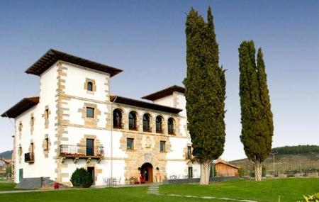 Las casas club de los campos de España (I): País Vasco y Navarra