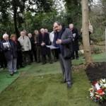 Peregrinos a Escocia para visitar la tumba de Arnaud Massy, el campeón del Open Británico Foto Greg Macvean