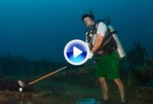 Golf bajo el agua, lo nunca visto (VIDEO)