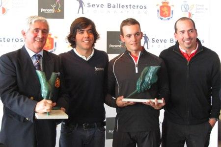 De izqda. a dcha., Gonzaga Escauriaza, Javier Ballesteros, Juan José Villanueva y otro responsable de Panamá Golf Group