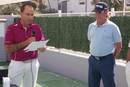 Pascual Jiménez y Miguel Ángel Jiménez durante la entrega de premios en el ProAm 'Memorial Justo Quesada' en La Marquesa