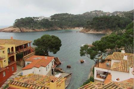 Vista desde la entrada y terrazas del Hotel Aigua Blava
