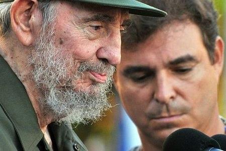 Fidel Castro, en primer término, y su hijo en una foto de archivo (EFE)