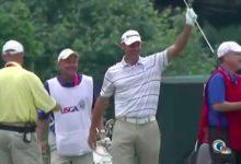Efusivo Shawn Stefani con su hoyo en uno, el 1º de la Historia de los US Open en Merion (VIDEO)