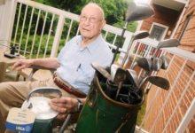Con 104 años ¡y sigue jugando al golf! En Maryland