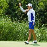 Azahara Muñoz celebrates holing the winning putt on the 17th hole