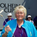 John Solheim presents Laura Davies with a Golden Putter in recognition for her 12 consecutive Solheim Cup appearances
