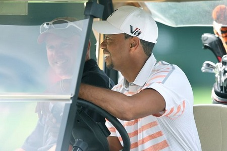 Tiger Woods inspecciona Oak Hill