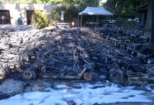 La flota de buggies quedó reducida a chatarra por un incendio