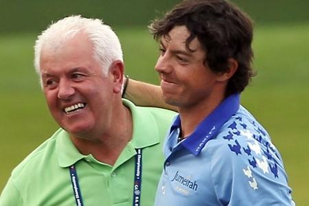 Gerry y Rory McIlroy en una foto de archivo. Foto: AFP