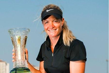 Suzann Pettersen, con uno de sus trofeos del LPGA Tour