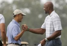 Obama jugó 18 hoyos con el astro NBA, Alonzo Mourning
