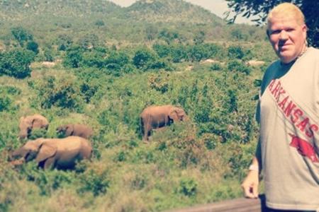 John Daly elefantes