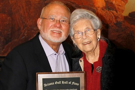 John y Louise Solheim Hall of Fame Arizona Foto  Ping Golf