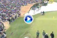 Golpe histórico de Tiger en la Copa del Mundo '01