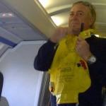 Bromeando en un avión