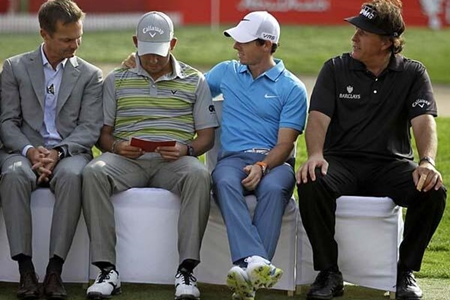 Pablo Larrazábal. Phil Mickelson y Rory McIlroy