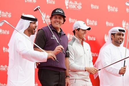 Phil Mickelson y Rory McIlroy en Abu Dhabi Foto European Tour
