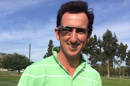 Gonzalo Fdez.-Castaño también quiso probar las gafas inteligentes