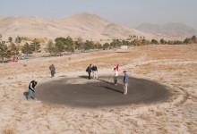 Lo último en deportes de riesgo, golf extremo en la ciudad de Kabul