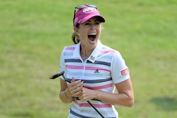 La alegria de Paula Creamer se desató con su victoria. Foto: vía Twitter