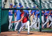 Rickie Fowler cambió los palos de golf por un bate de béisbol
